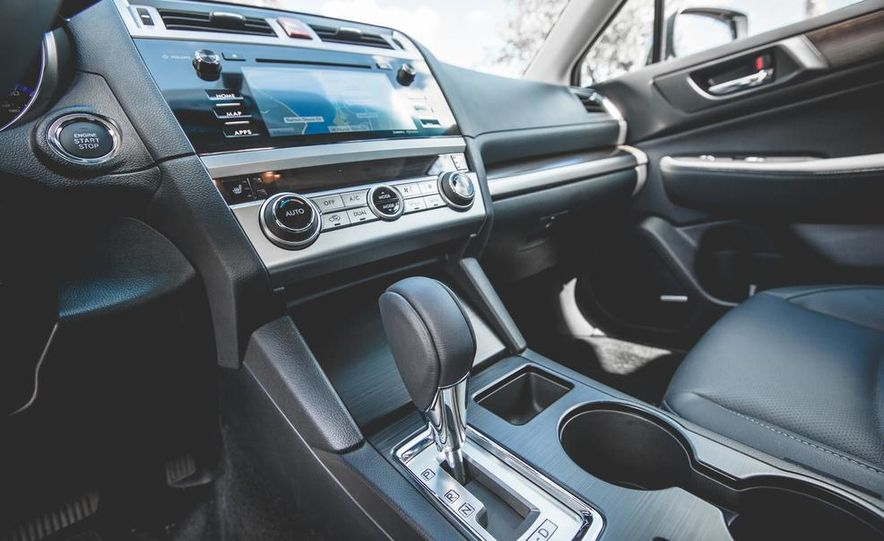 2015 Subaru Legacy 3.6R Limited - Slide 39