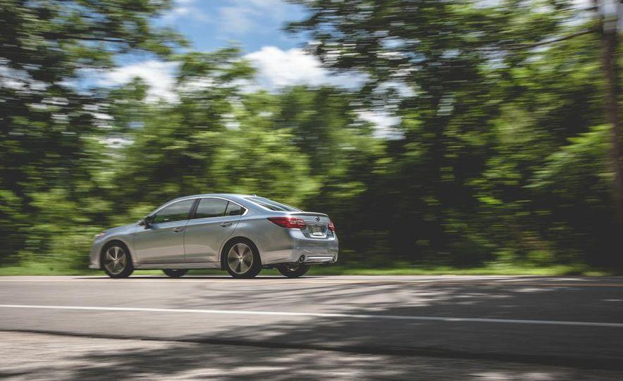 2015 Subaru Legacy 3.6R Limited - Slide 6