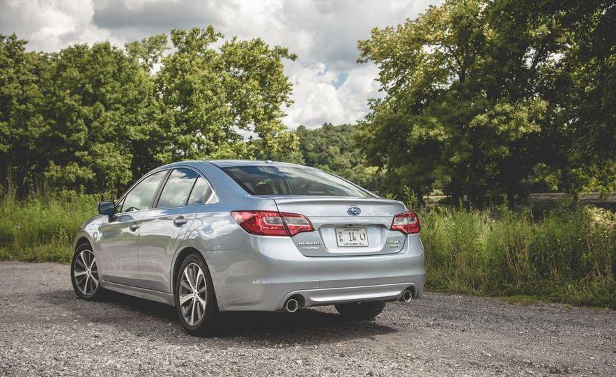 2015 Subaru Legacy 3.6R Limited - Slide 10