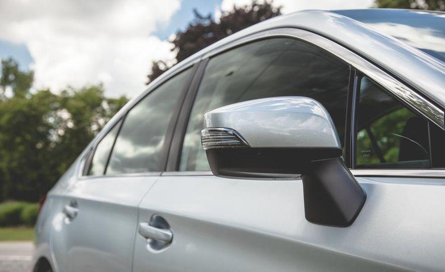 2015 Subaru Legacy 3.6R Limited - Slide 15