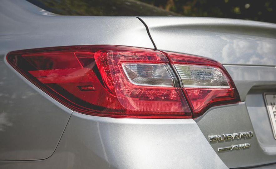 2015 Subaru Legacy 3.6R Limited - Slide 17