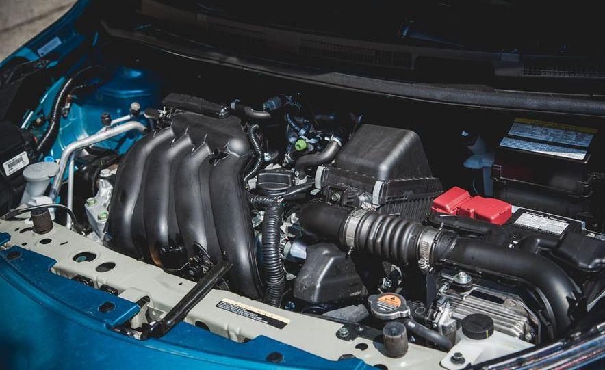 2015 Nissan Versa Note SR - Slide 43