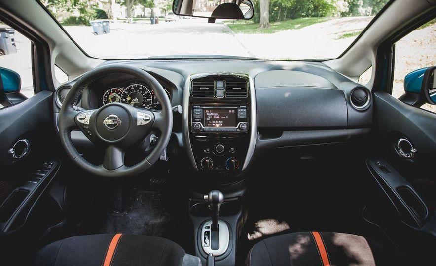 2015 Nissan Versa Note SR - Slide 24