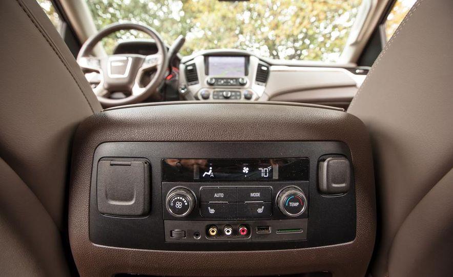 2015 GMC Yukon XL Denali 4WD - Slide 78