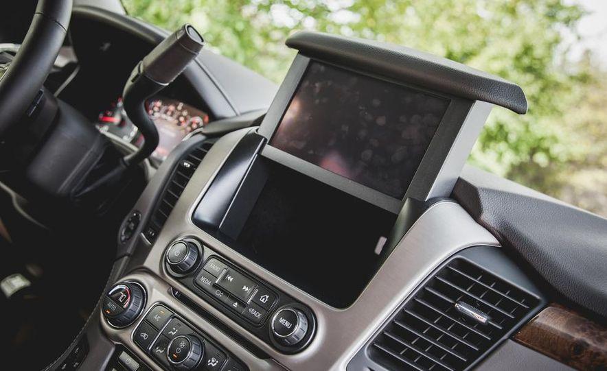 2015 GMC Yukon XL Denali 4WD - Slide 55