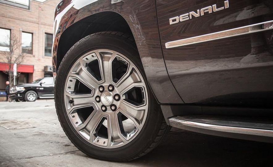 2015 GMC Yukon XL Denali 4WD - Slide 21