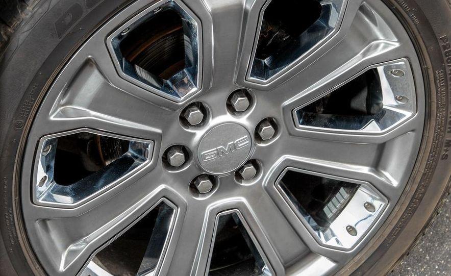 2015 GMC Yukon XL Denali 4WD - Slide 6