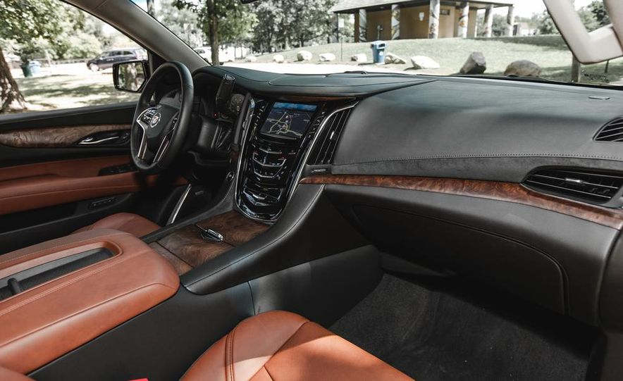 2015 Cadillac Escalade Premium AWD - Slide 37
