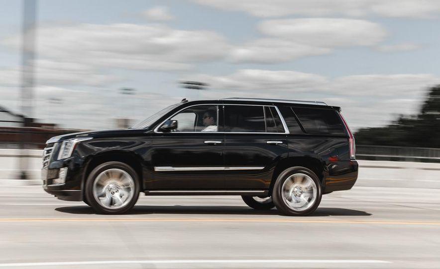 2015 Cadillac Escalade Premium AWD - Slide 10