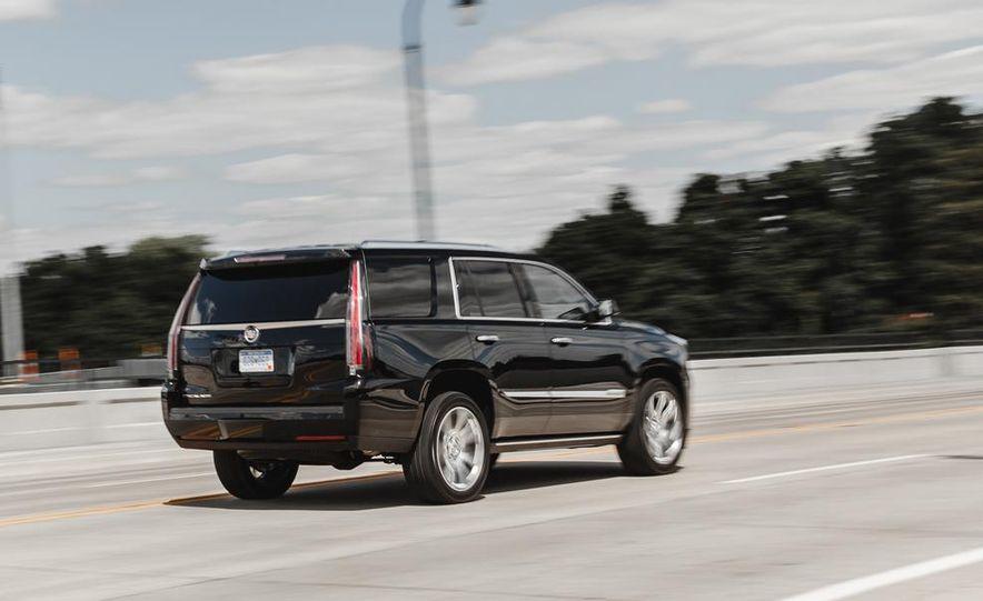2015 Cadillac Escalade Premium AWD - Slide 11