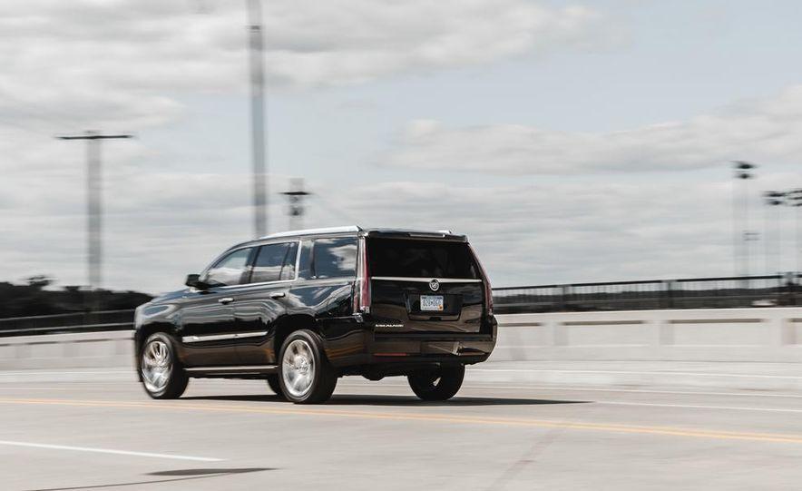 2015 Cadillac Escalade Premium AWD - Slide 12