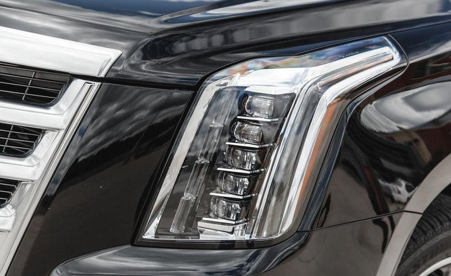 2015 Cadillac Escalade Premium AWD - Slide 21