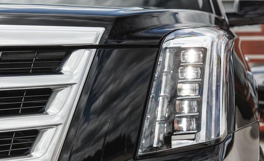 2015 Cadillac Escalade Premium AWD - Slide 22