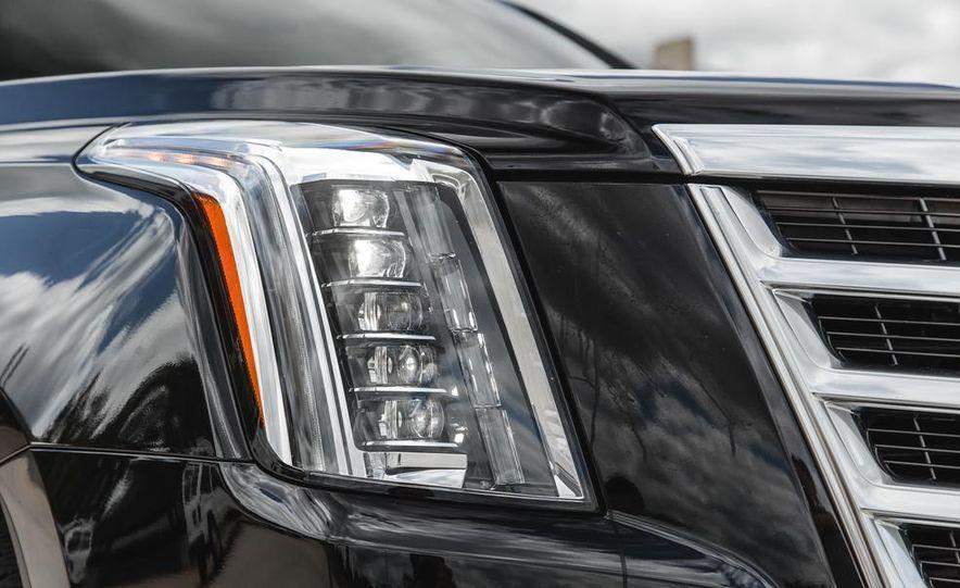 2015 Cadillac Escalade Premium AWD - Slide 23