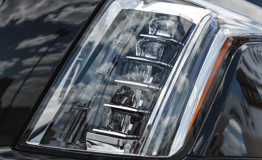2015 Cadillac Escalade Premium AWD - Slide 24