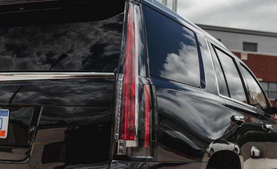 2015 Cadillac Escalade Premium AWD - Slide 29