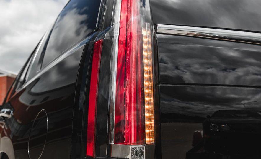 2015 Cadillac Escalade Premium AWD - Slide 31