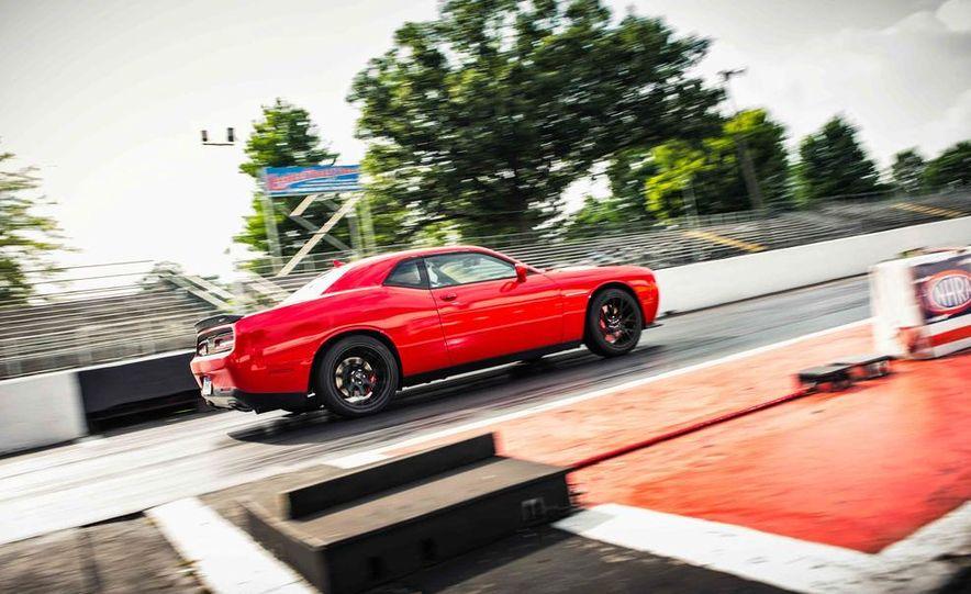 2015 Dodge Challenger SRT Hellcats - Slide 14
