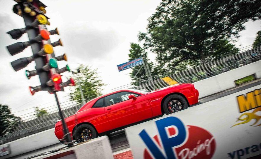 2015 Dodge Challenger SRT Hellcats - Slide 15