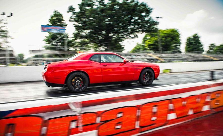 2015 Dodge Challenger SRT Hellcats - Slide 16
