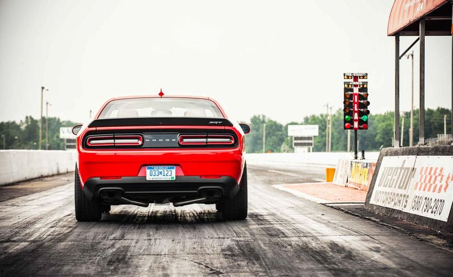 2015 Dodge Challenger SRT Hellcats - Slide 35