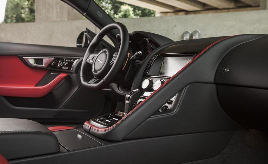 2015 Jaguar F-type V-6 S coupe - Slide 24