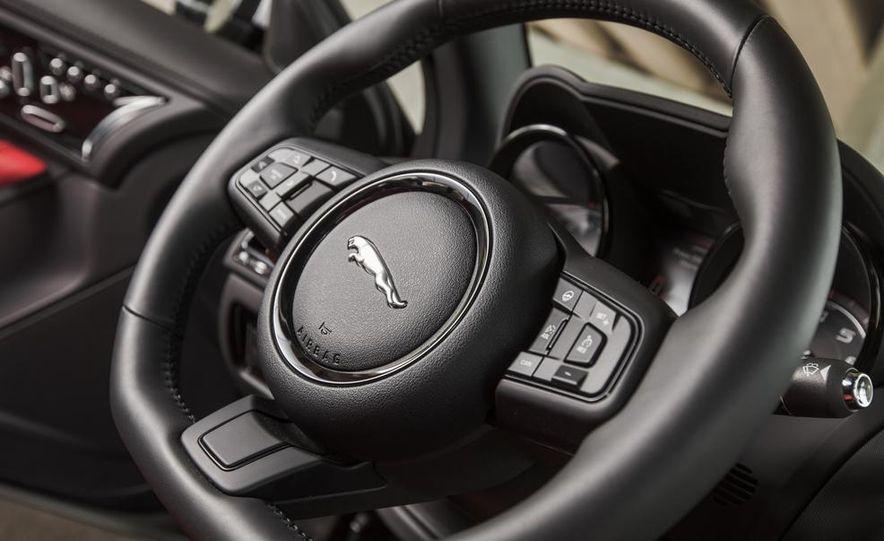2015 Jaguar F-type V-6 S coupe - Slide 29