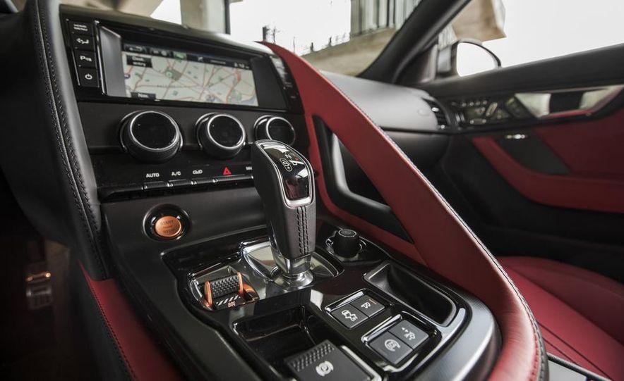 2015 Jaguar F-type V-6 S coupe - Slide 32