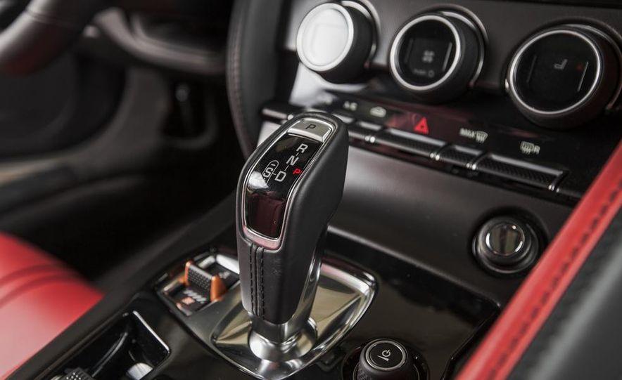 2015 Jaguar F-type V-6 S coupe - Slide 35