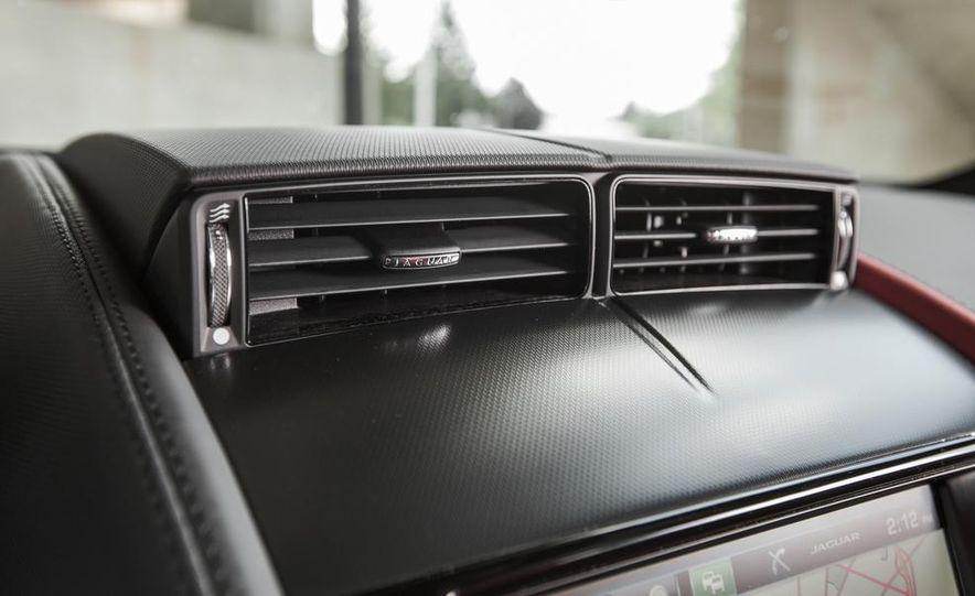 2015 Jaguar F-type V-6 S coupe - Slide 38