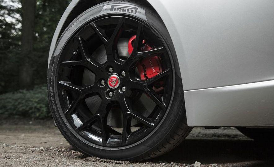 2015 Jaguar F-type V-6 S coupe - Slide 12