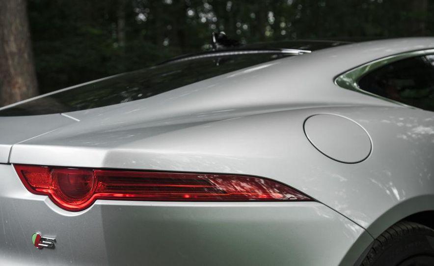 2015 Jaguar F-type V-6 S coupe - Slide 14