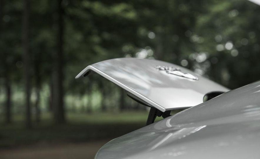 2015 Jaguar F-type V-6 S coupe - Slide 19