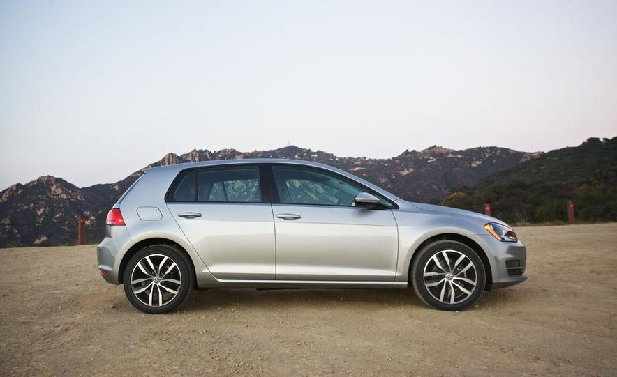 2015 Volkswagen Golf TDI - Slide 5