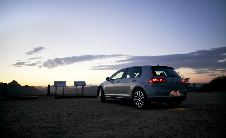 2015 Volkswagen Golf TDI - Slide 8