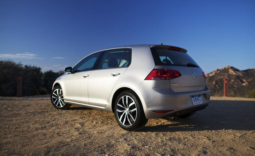 2015 Volkswagen Golf TDI - Slide 9