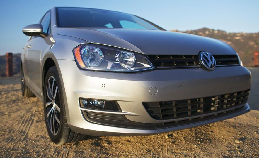 2015 Volkswagen Golf TDI - Slide 12