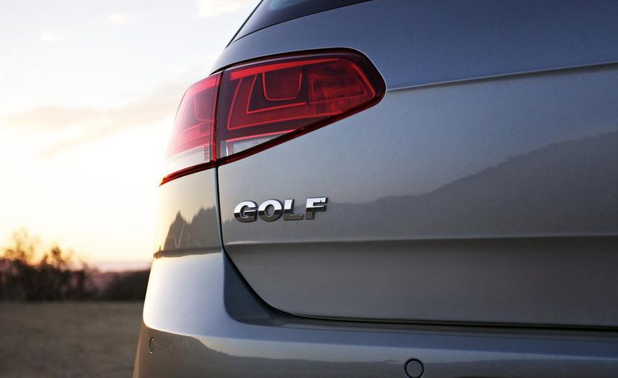 2015 Volkswagen Golf TDI - Slide 23