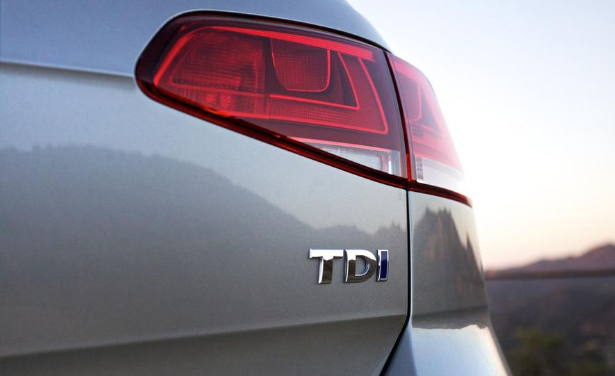2015 Volkswagen Golf TDI - Slide 25