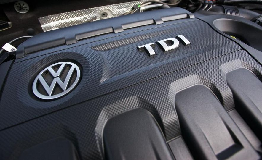 2015 Volkswagen Golf TDI - Slide 56