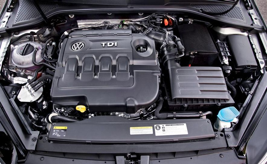 2015 Volkswagen Golf TDI - Slide 53