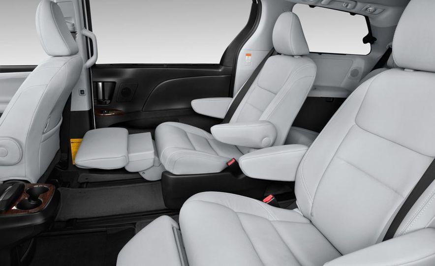 2015 Toyota Sienna SE - Slide 25