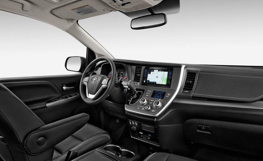 2015 Toyota Sienna SE - Slide 18