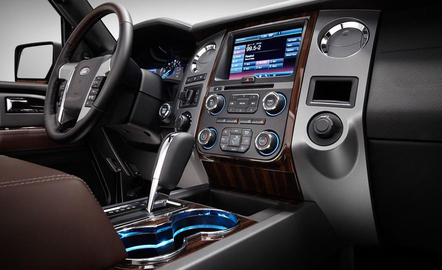 2015 Ford Expedition EL Platinum - Slide 24