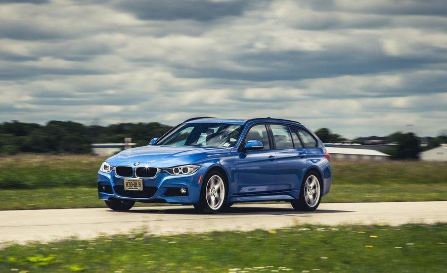 2015 BMW 225i Active Tourer (Euro-spec) - Slide 5