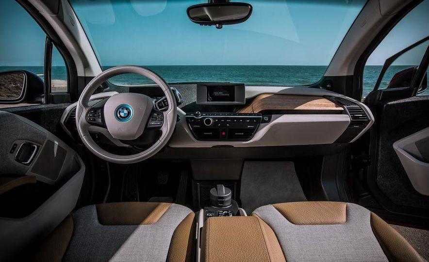 2015 BMW 225i Active Tourer (Euro-spec) - Slide 38