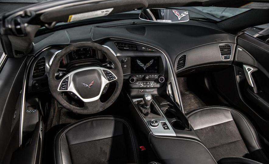 2015 Chevrolet Camaro RS - Slide 18
