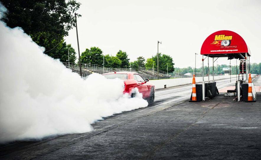 2015 Dodge Challenger SRT Hellcat - Slide 2