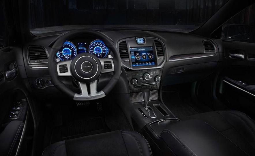 2015 Chrysler 200S V-6 AWD - Slide 6