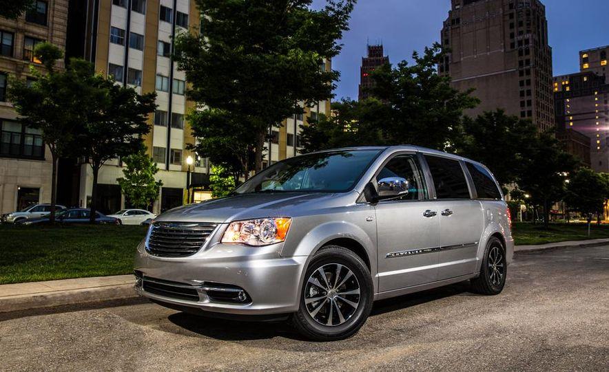 2015 Chrysler 200S V-6 AWD - Slide 11